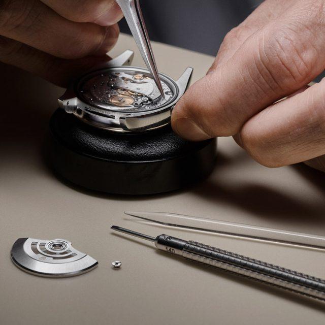 rolex-servicing-procedure-dismantling-of-the-movement_portrait